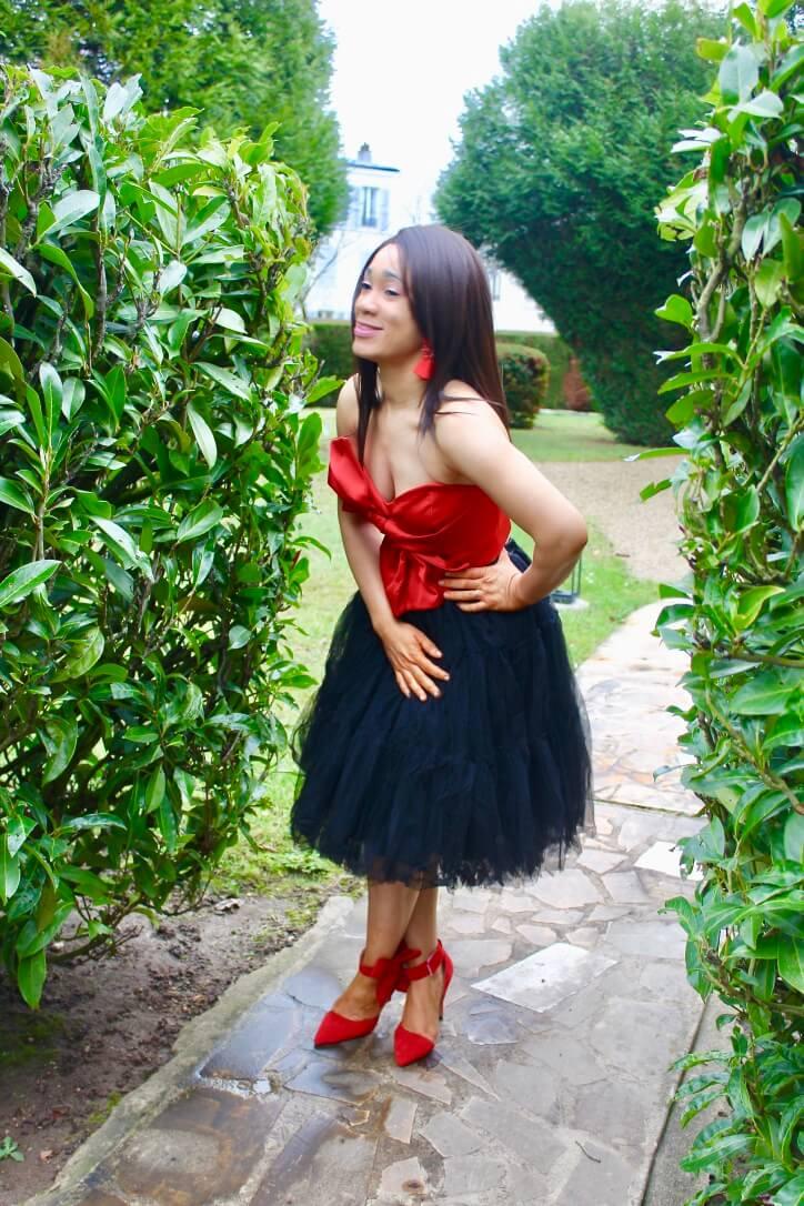 Jupe tulle noire et top rouge
